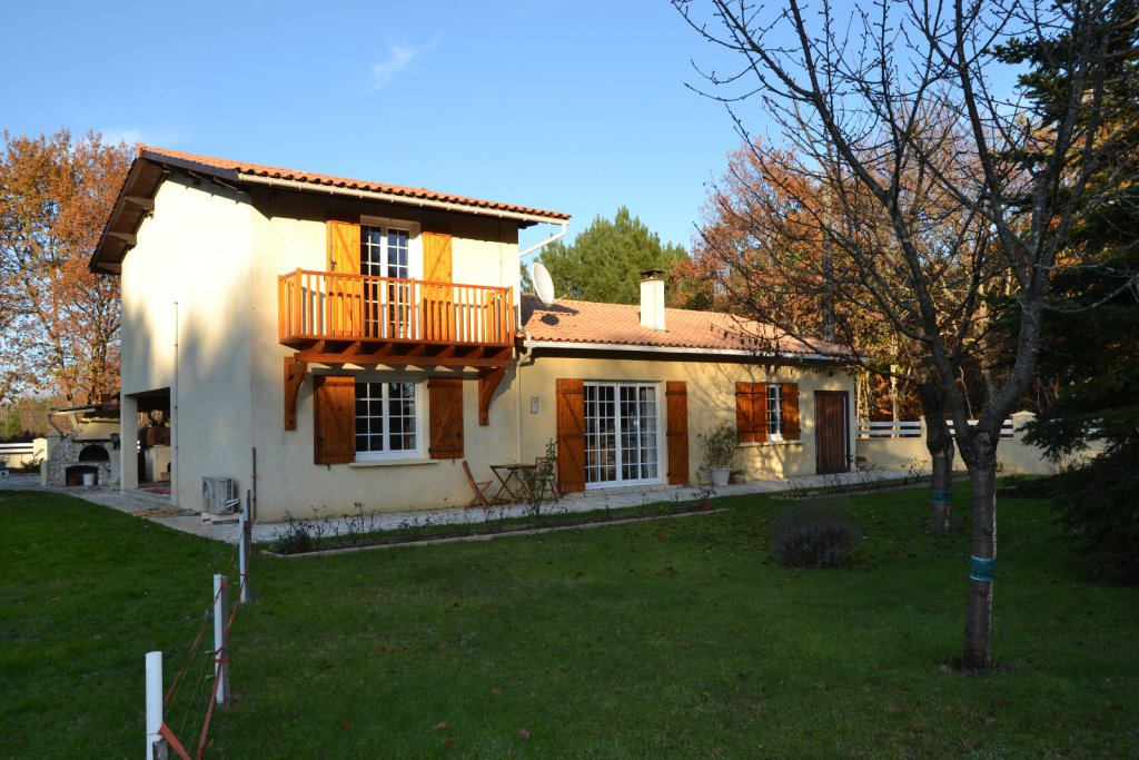 Vente maison traditionnelle 4 chambres for Maison traditionnelle 5 chambres